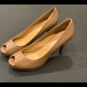 Nine West Tan Heels Size 7.5